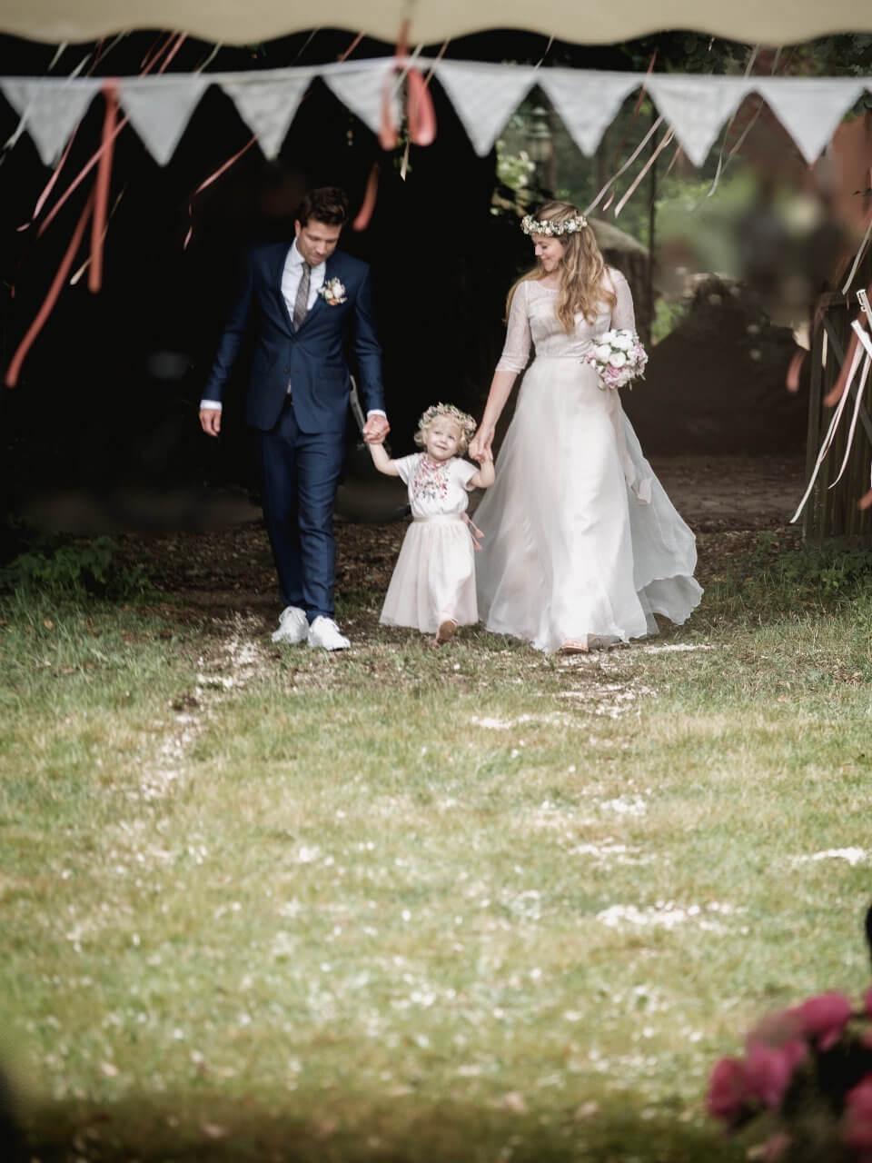 Brautpaar Caro und Lars nach der Trauung